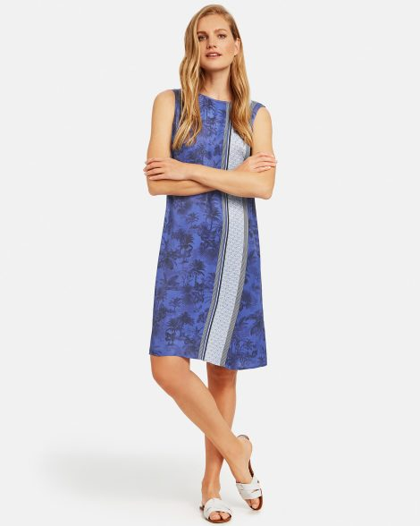 dress-with-a-panelled-pattern-01