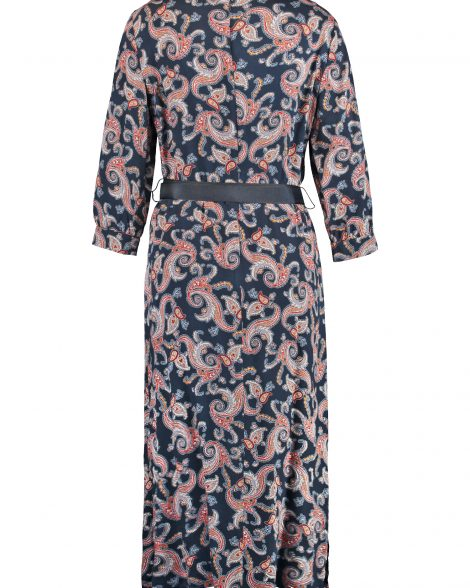 dress-with-a-paisley-print-03